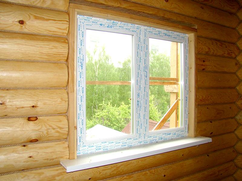большие окна в рубленном доме